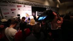Journalists gathered around Sergei Zverev at the ceremony of awarding Arkistovideo