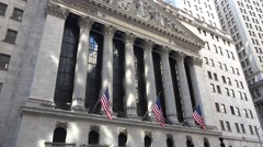 Tilt up the facade (4k) of the New York Stock Exchange, Broad Street, New York. Stock Footage