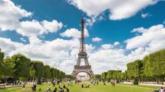 Timelapse of Tour Eilffel, Paris, France Stock Footage