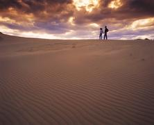 Couple hiking in the Spirit Sands, Spruce Woods Provincial Park, Manitoba, Stock Photos