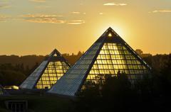 Sunrise behind pyramid of Muttart Conservatory, Botanical Garden, Edmonton, Stock Photos