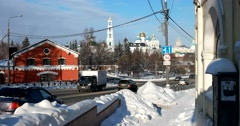 Beautiful old Russian city, Temples and churches, drifts of snow and Sunny day Stock Footage