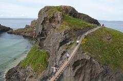 Carrick-a-Rede Rope Bridge at Carrickarede Isle, County Antrim, Northern Ireland Stock Photos