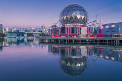 Dragon boats and Telus World of Science dome, False Creek, Vancouver, British Kuvituskuvat