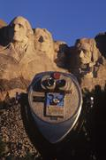 USA, South Dakota, Mount Rushmore with viewscope in foreground Stock Photos