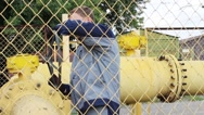 Working gas valve closes Stock Footage