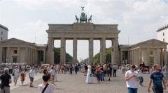 Locked down real time establishing shot of Brandenburg Gate in Berlin Stock Footage