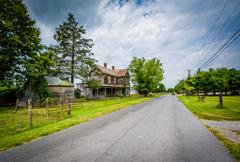 Abandoned house and road in Elkton, in the Shenandoah Valley of Virginia. Stock Photos