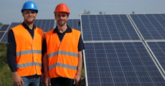 Pride Supervisor Engineer Men Looking Camera Smiling Thumb Up Sign Solar Panels Stock Footage
