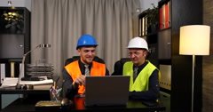 Pride Supervisor Engineer Men Looking Presentation and Speaking Collaboration Stock Footage