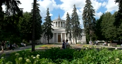 The lime Avenue to the pavilion Tsentrosoyuz, Soviet constructivism Stock Footage