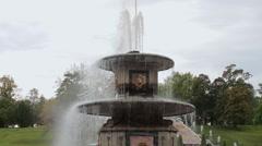 ST. PETERSBURG, RUSSIA - SEPTEMBER 15,2016: Luxurious Peterhof fountains Stock Footage