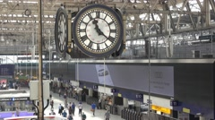 Big clock in the Entrance Hall of Waterloo Station Stock Footage