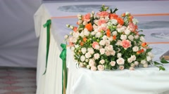 Cream orange and peach roses in a bunch Stock Footage