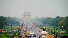 Time-lapse of Car and people traffic to the India Gate in Delhi Stock Footage