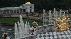 ST. PETERSBURG, RUSSIA  Grand Cascade golden statue  Stock Footage