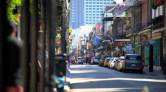 New Orleans, USA - September 2016: View of Bourbon Street tourists shopping in Arkistovideo