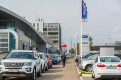 Khimki, Russia - September 12.2016. Car Dealer to sell cars Ford and Rolf Stock Photos