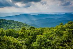View of the Blue Ridge Mountains from Bearfence Mountain, in Shenandoah Natio Stock Photos