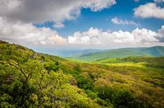 View of the Blue Ridge Mountains from Stony Man Mountain, in Shenandoah Natio Stock Photos