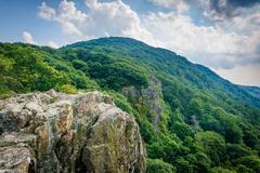 Little Stony Man Cliffs, along the Appalachian Trail, in Shenandoah National  Stock Photos