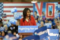 Hillary Clinton Campaigns in St. Louis, Missouri, USA Kuvituskuvat