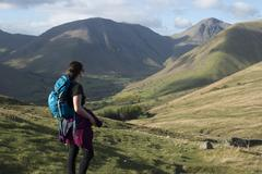 Trekking in the English Lake District in Wast Water with views of Kirk Fell and Stock Photos