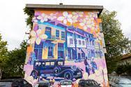 Building wall street art painting Stock Photos