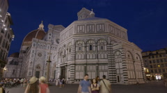 Wide time lapse shot of tourists in commons at night / Florence, Tuscany, Italy Stock Footage
