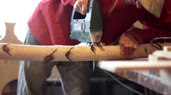 Saws off a tree with a chain saw Arkistovideo