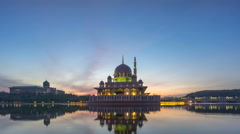 Dramatic and colourful sky during sunrise over Putrajaya Mosque. Stock Footage