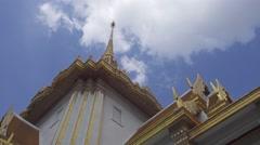 Wat Traimit - temple of Gold Buddha in Bangkok Stock Footage