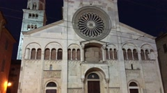 Duomo of Modena at night, Emilia-Romagna, Italy Stock Footage