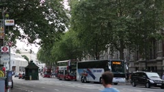 Traffic outside Victoria and Albert Museum in London Stock Footage