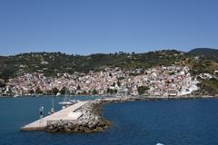 GREECE: Skopolis Harbour WS with quay Stock Photos