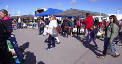 4K Crowded Saturday farmers market Stock Footage