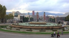 Fountains at National Palace in Barcelona - Plaza De Espagna Stock Footage