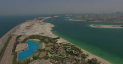 Palm Jumeirah Atlantis water park zoom out Stock Footage