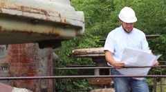 Engineer checks the quality of the gas pipeline Stock Footage