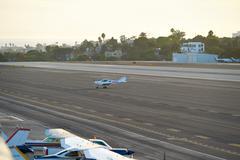 SANTA MONICA, CALIFORNIA USA - OCT 07, 2016: aircraft parking at Airport Kuvituskuvat