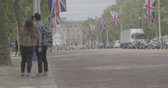 Couple Takes selfie on the Mall - London, England - 4K Stock Footage