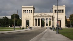 Propylaea and crouds of people in Munich Stock Footage