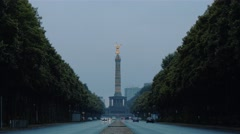 Establishing shot of Traffic at Busy Street Avenue Road Victory Statue in Berlin Stock Footage