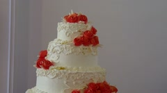 Video red wedding cake close-up dessert at a wedding feast Stock Footage