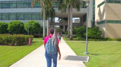 Students rushing at FIU college campus Stock Footage