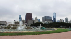 Chicago skyline and the Buckingham Fountain Stock Footage