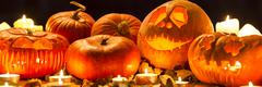 Carve pumpkin for Halloween Kuvituskuvat