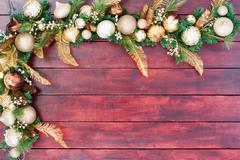 Festive Christmas border in gold, green and white Kuvituskuvat