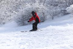 People skiing in the snow in the winter Kuvituskuvat