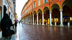 Modena city life. Time-lapse of people and car traffic Stock Footage